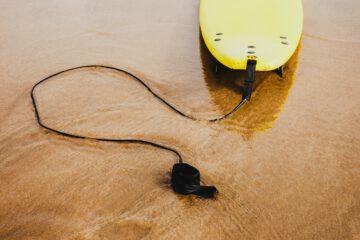 Kompleksowy poradnik dla osób wybierających deskę do wakesurfingu